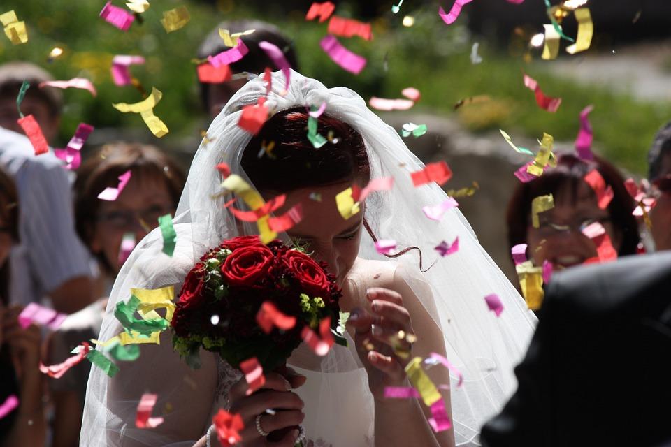 ¿Cómo decorar el jardín para una boda?